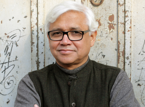 "<a href=""http://readersbreak.com/past-meet-ups/the-imam-and-the-indian-amitav-ghosh/"" target=""_blank"">The Imam and the Indian (Amitav Ghosh)</a>"